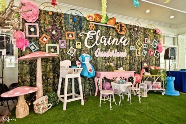 Kara's Party Ideas Elegant Alice In Wonderland Birthday Party