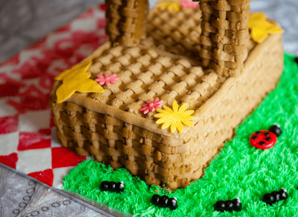 Picnic Themed Cakes  Pretty Desserts To Celebrate Summer