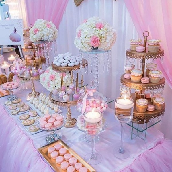 Darling Pink & Gold Dessert Table!! By @creative_desserttables