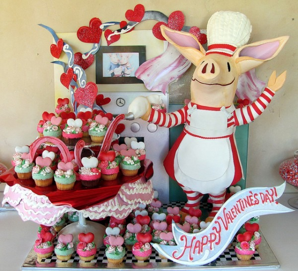 Olivia The Pig Birthday Party Ideas, Olivia The Pig Birthday Party