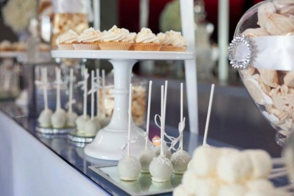 How To Throw A Chic  All White  Party