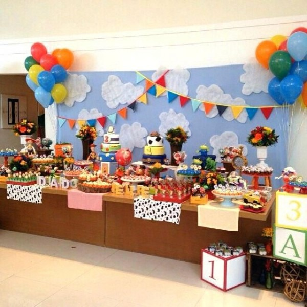 Toy Story Decoration Ideas Best Clouds On Room Backdrop Party