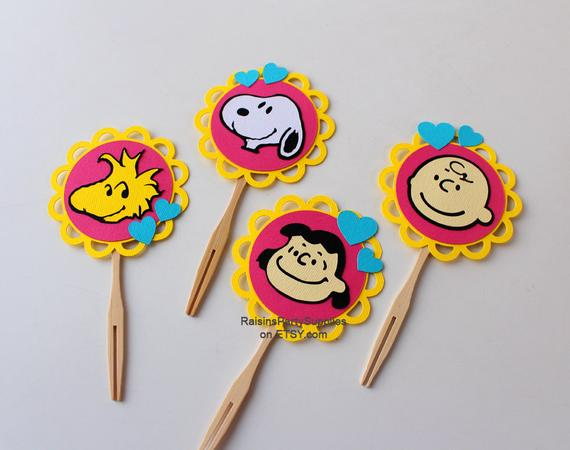 The Peanuts Gang Cupcake Toppers Peanuts Cupcake Decorations