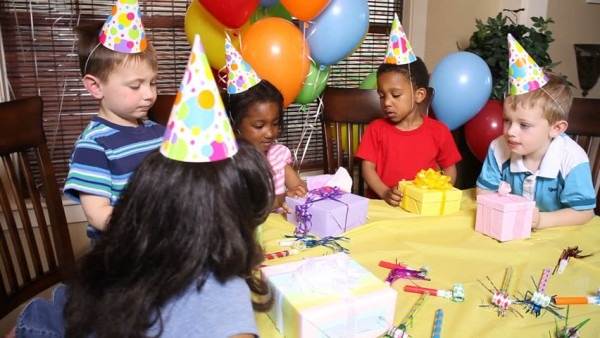 Video Stock A Tema Childrens Birthday Party (100  Royalty Free