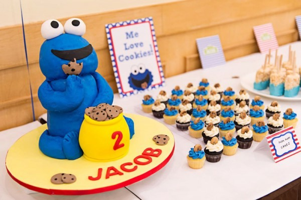 Baking Maniac  Cookie Monster Dessert Table!