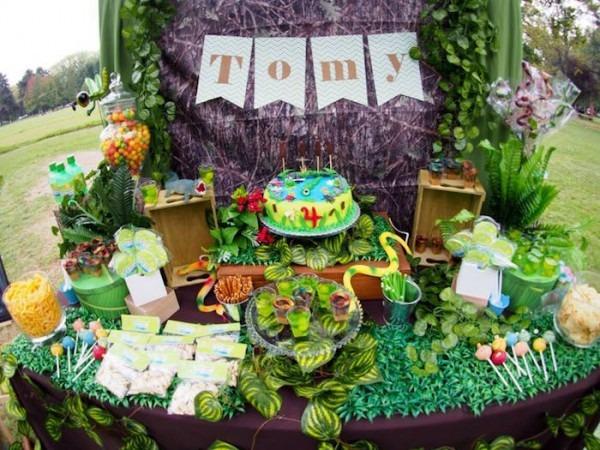 Kara's Party Ideas Crocodiles & Insects Birthday Party