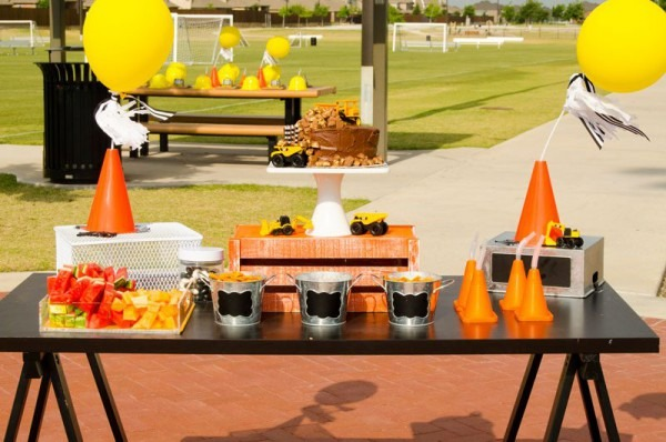 Diy Construction Party Ideas By Lindi Haws Of Love The Day