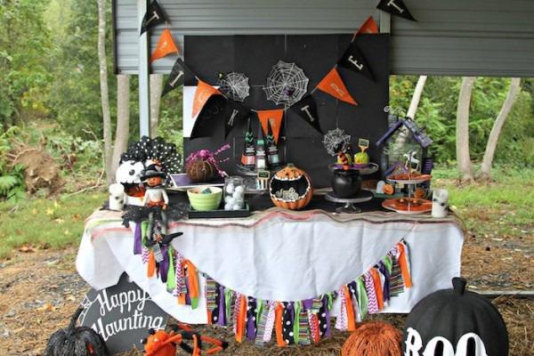 Kara's Party Ideas Halloween Hayride Party