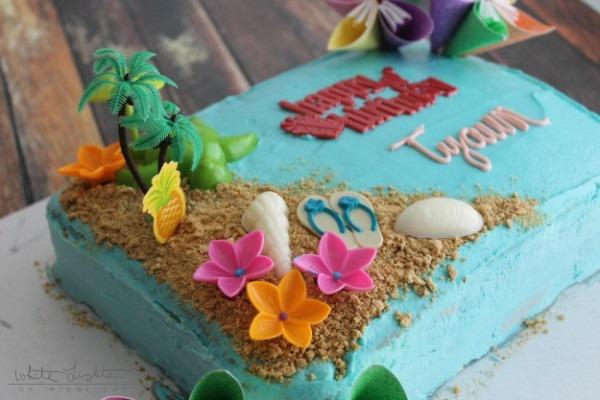 Triple Pineapple Luau Cake