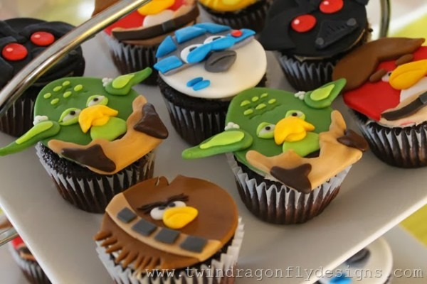 Angry Bird Star Wars Fondant Cupcake Tutorial » Dragonfly Designs